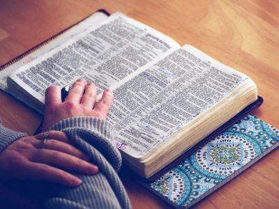 """Modlitwa w czasie epidemii? """"…gdy chcesz się modlić, wejdź do swej izdebki, zamknij drzwi i módl się!"""""""